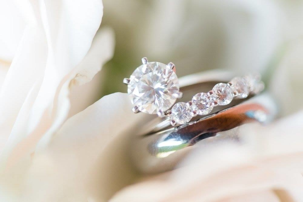 14 Tips For Buying A Cheap Engagement Ring